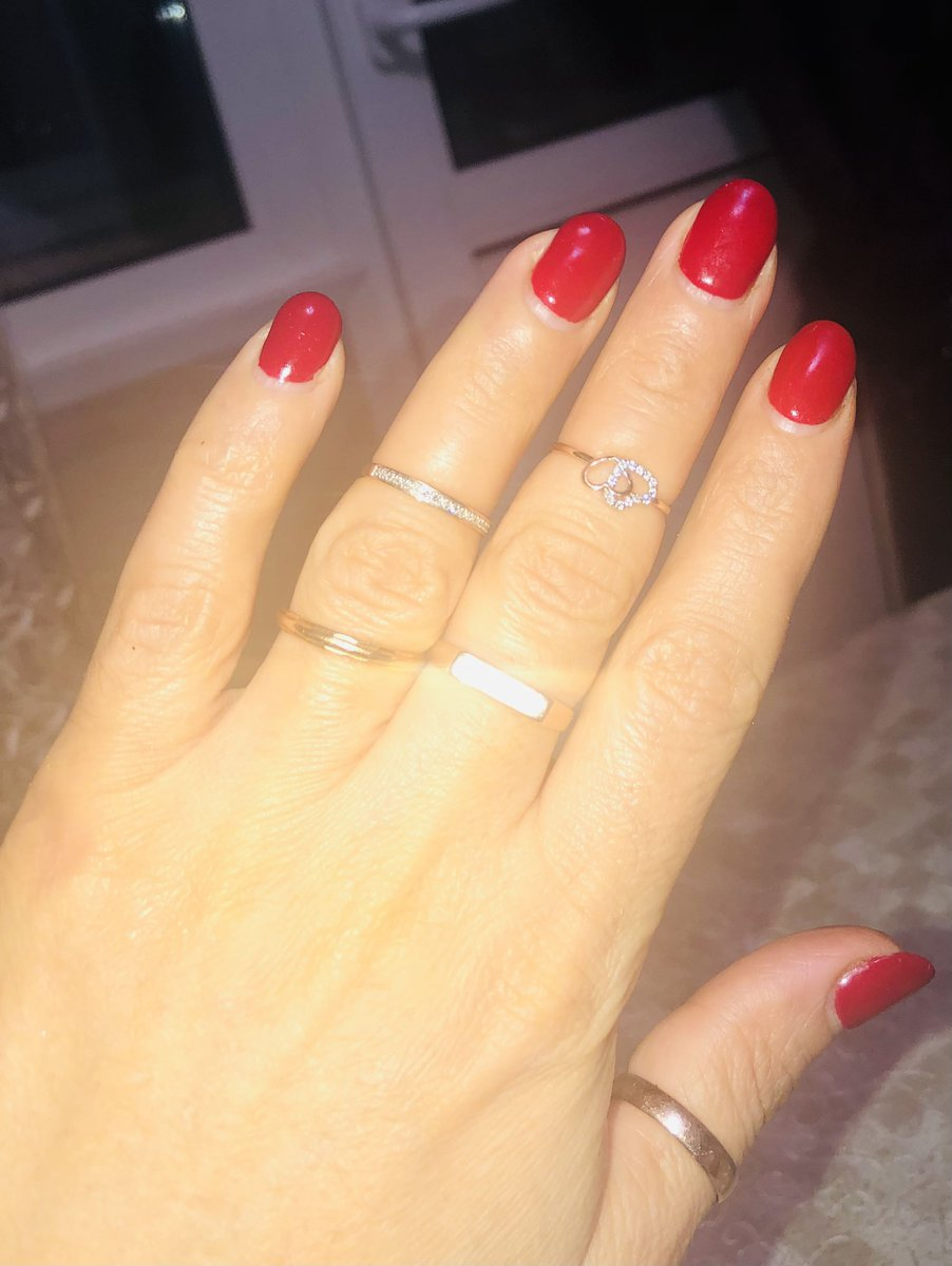 Золотое кольцо сердечками
