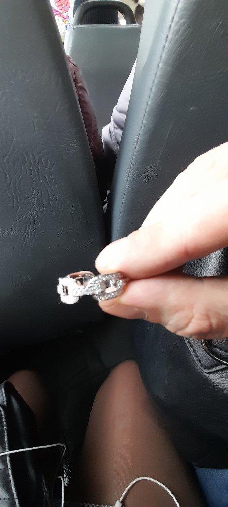 Очень красиво смотриться на пальце
