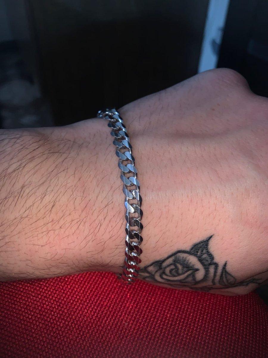 Хороший и аккуратный браслет на небольшую мужскую руку