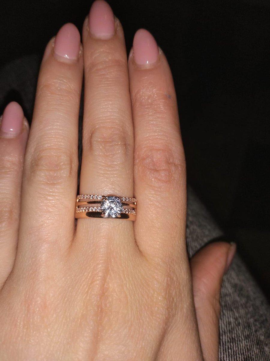 Золотое кольцо ....с фианитом...