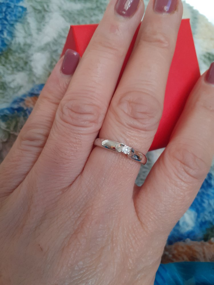 Комплект серебряные серьги и кольцо.
