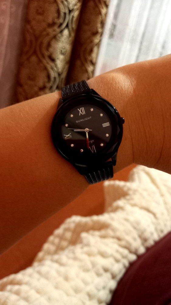 Шикарные,стильные часы.