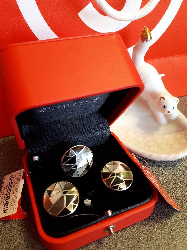 Серебряное кольцо с перламутром-стильно, красиво, роскошно!!!