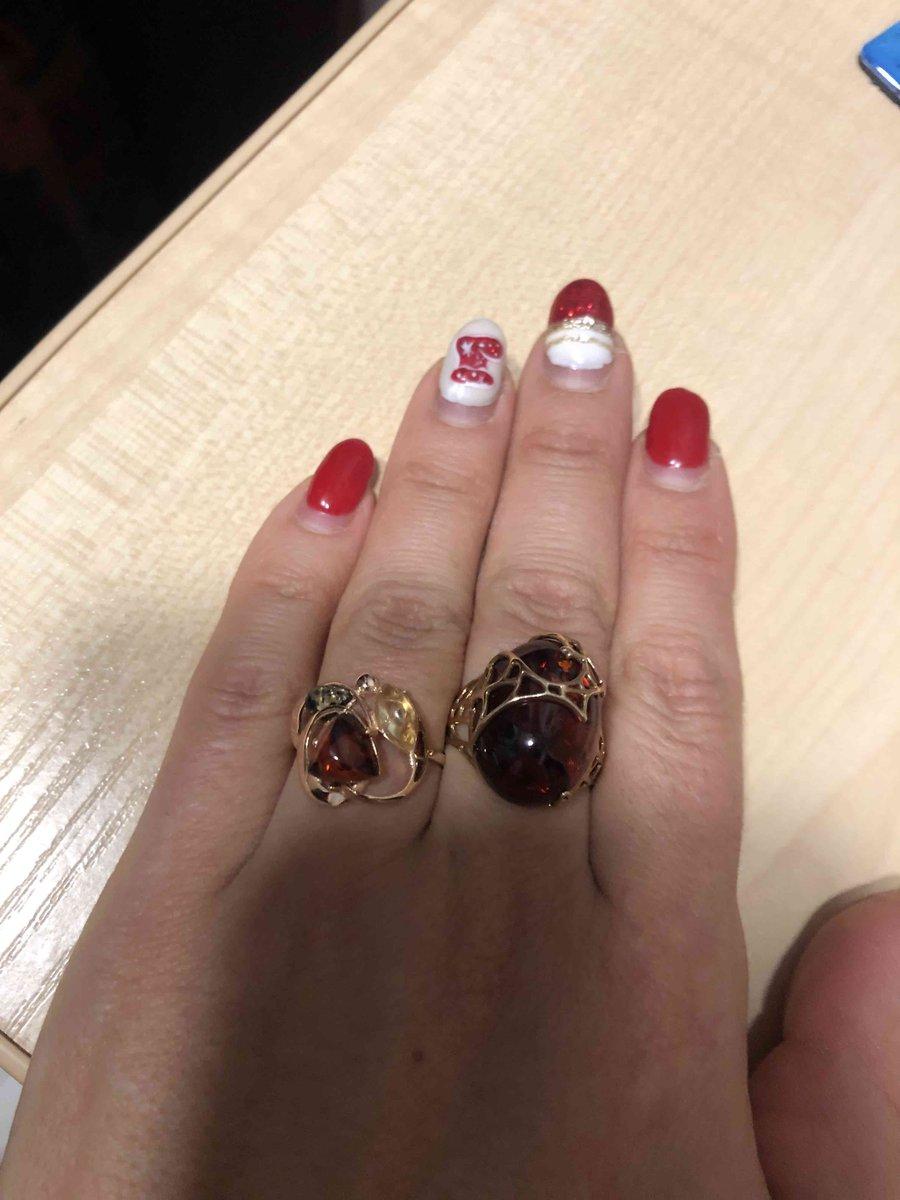 Камни из янтаря разных цветов и формы!