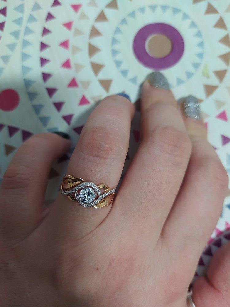 Замечательное кольцо! очень стильно и красиво смотрится на  руке.