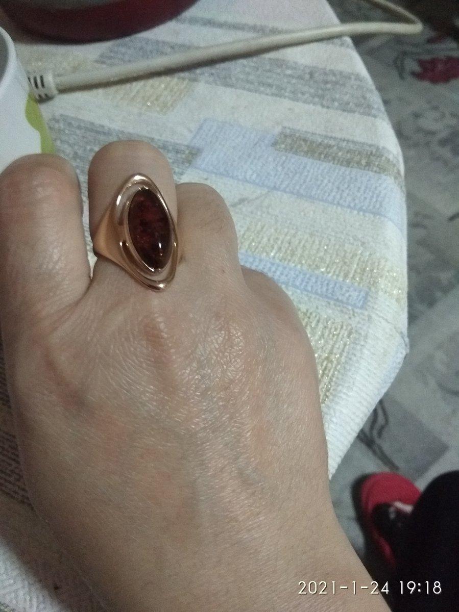 Янтарная кольцо крассивая и элигантно