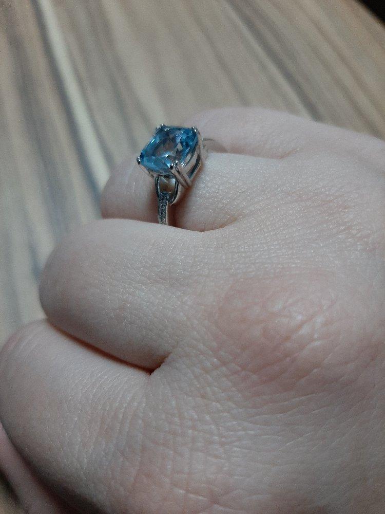 Кольцо с топазом 17.5 размер