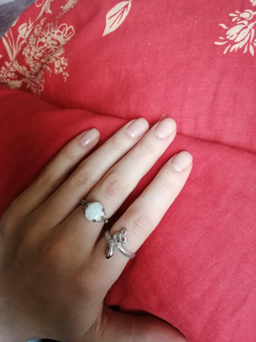 Отличное колечко, с необычным камнем, давно хотела, теперь меня радует!!!