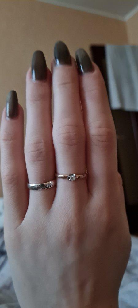 Отличное кольцо. сделал предложение любимой. она согласна.