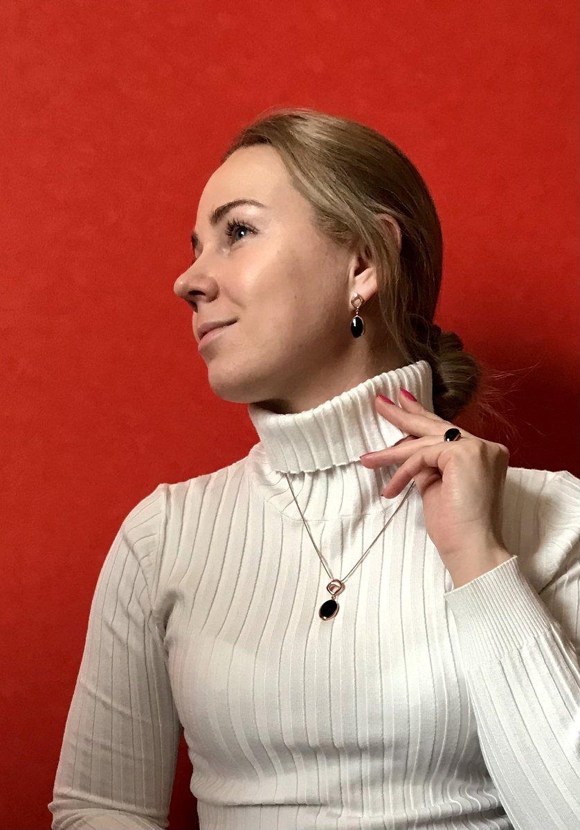 Легкое серебряное кольцо с натуральным ониксом