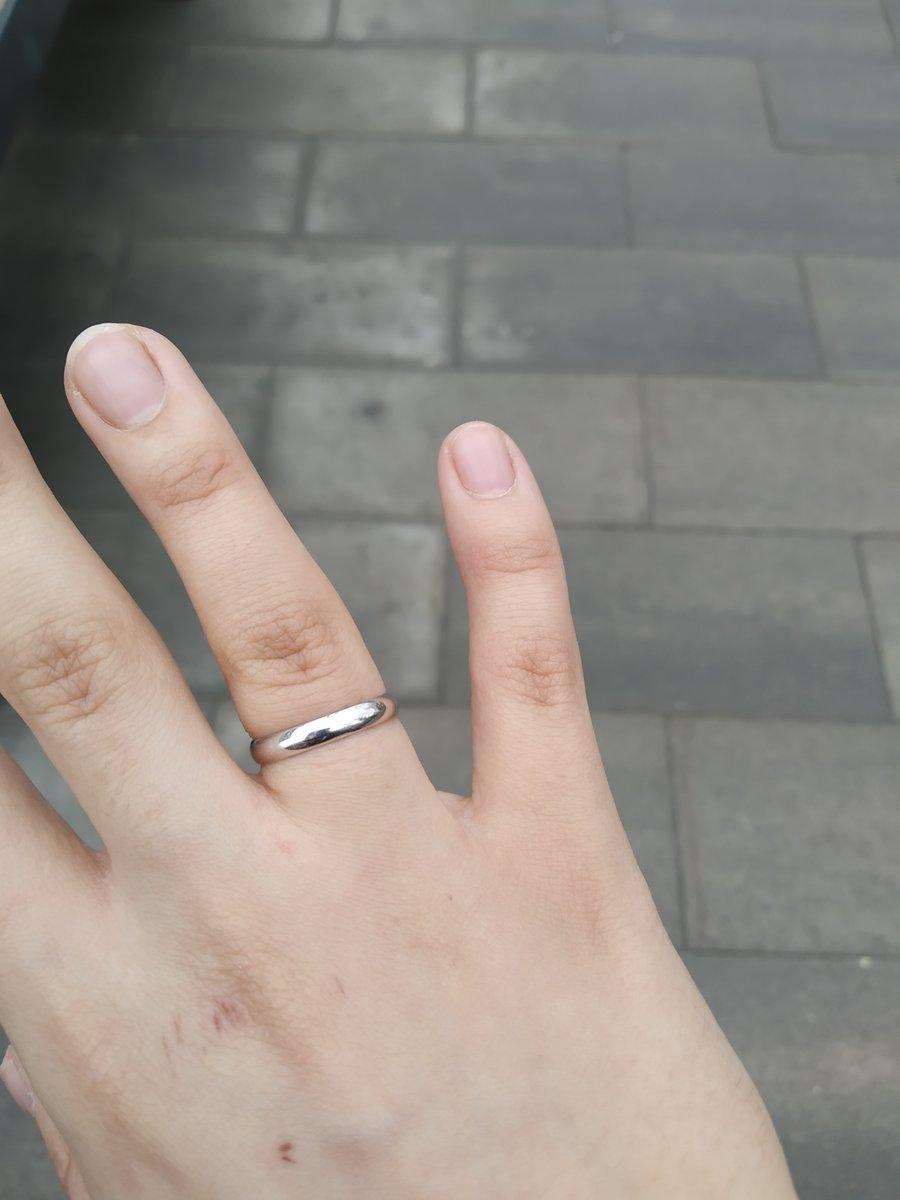 Универсальное красивое и практичное обручальное кольцо