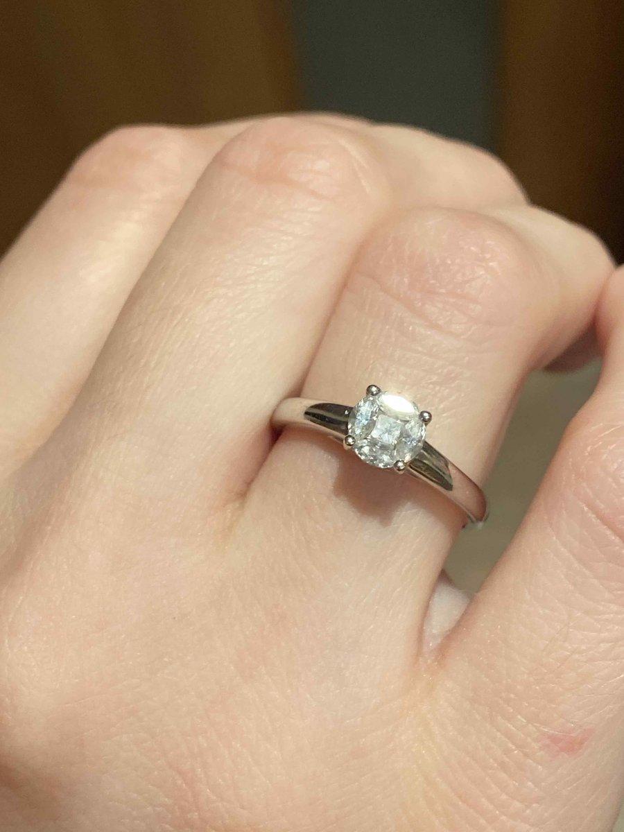 Отличное помолвочное кольцо