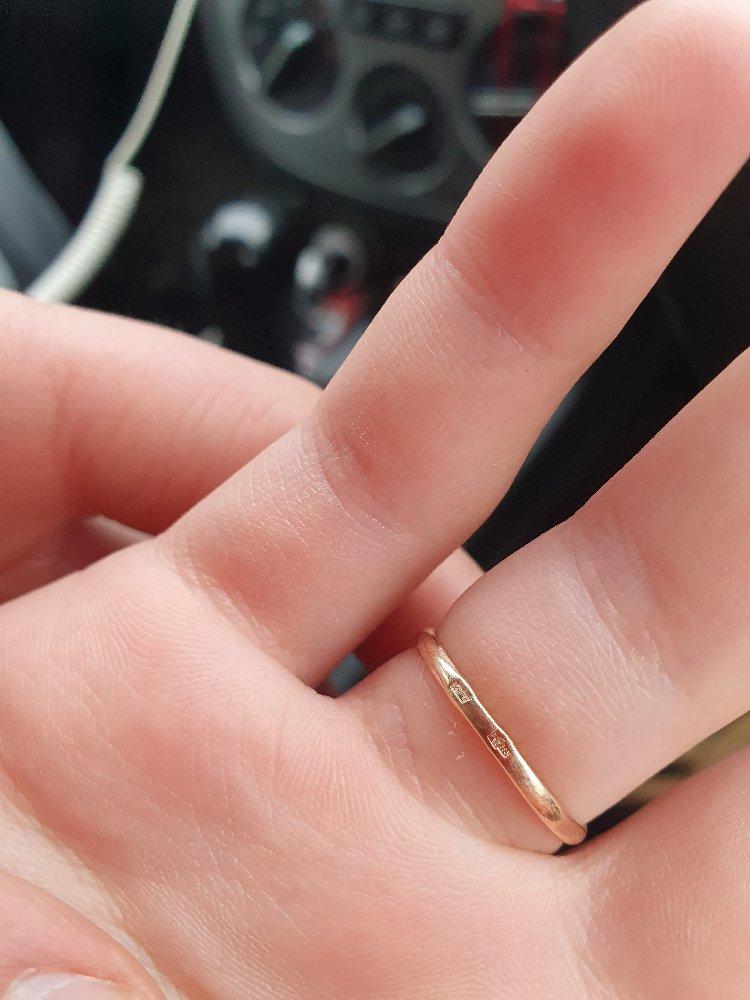 Кольцо с фианитом в подарок