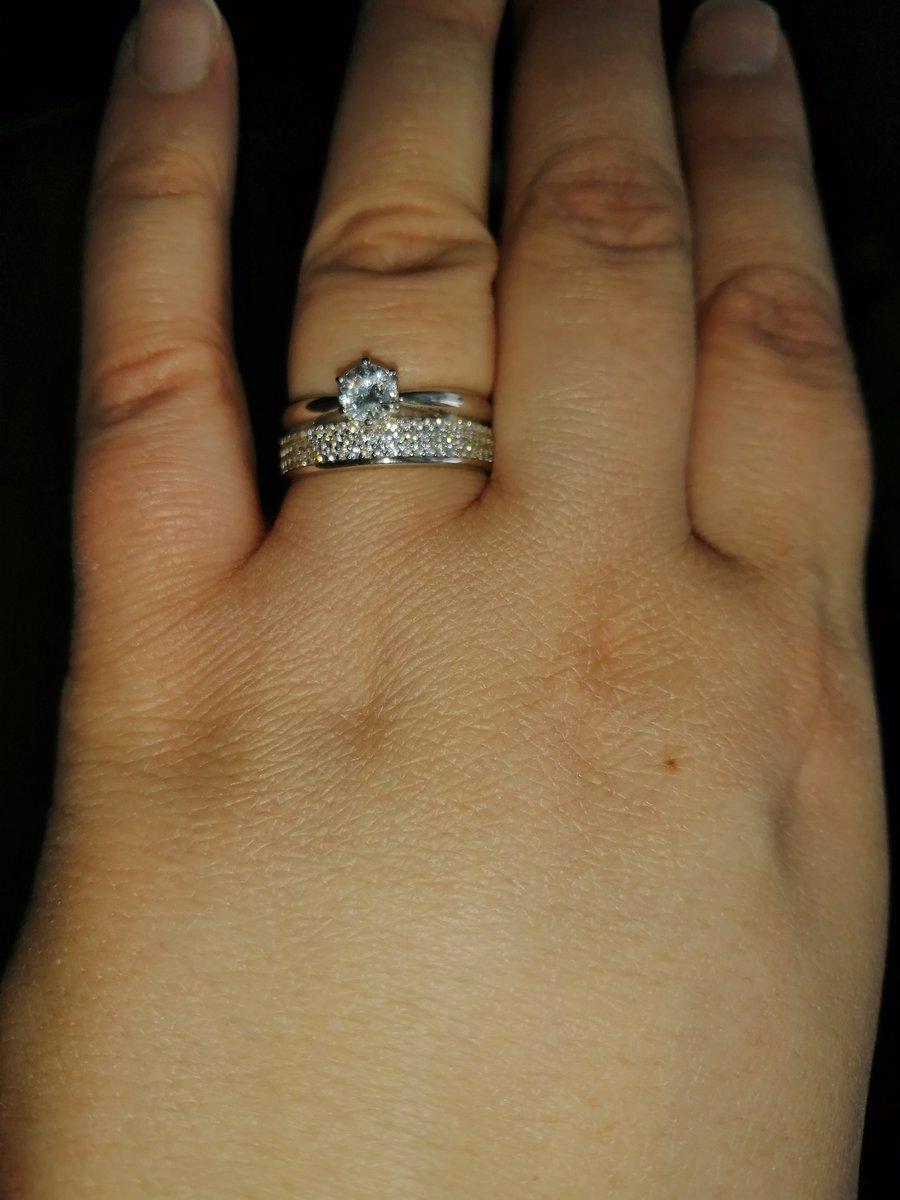 Кольцо шикарное, сразу и не подумаешь что это серебро