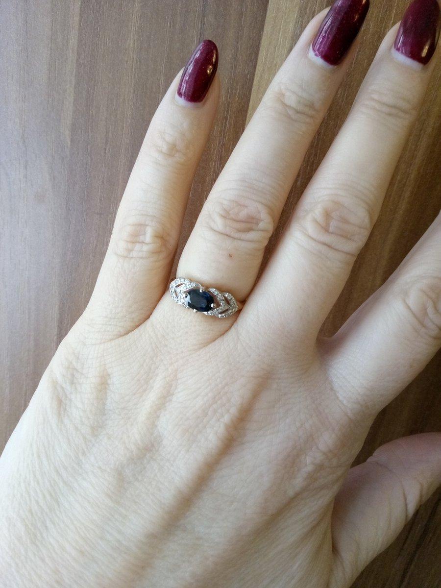Купила кольцо по интернету.