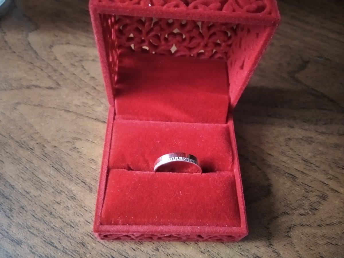 Кольцо с оригиналом дизайном