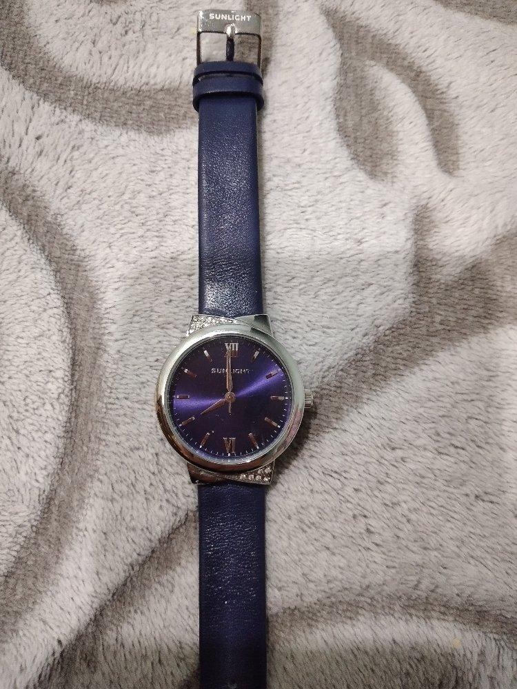 Купила часы своей доченьки в подарок на новый год. очень ей нравятся.