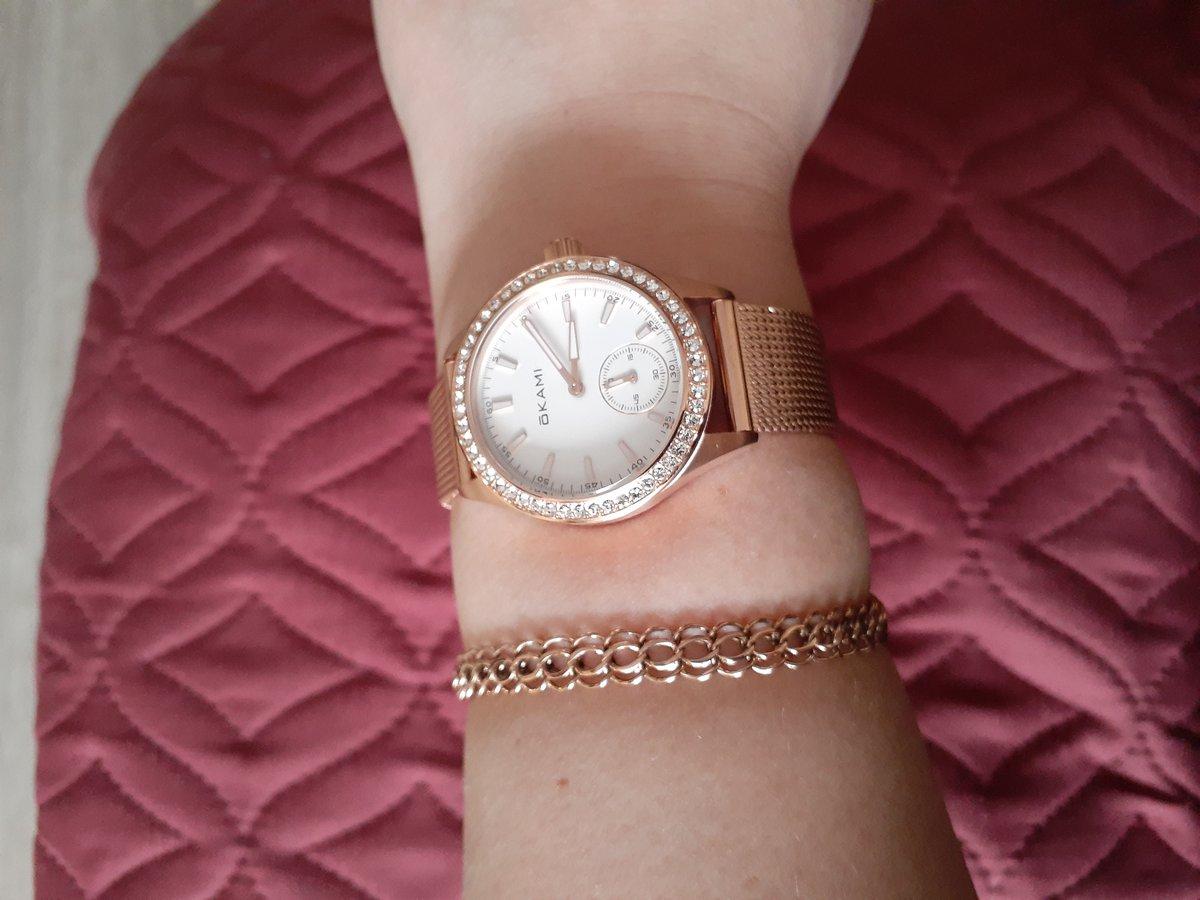 Часы наручные женские красивые