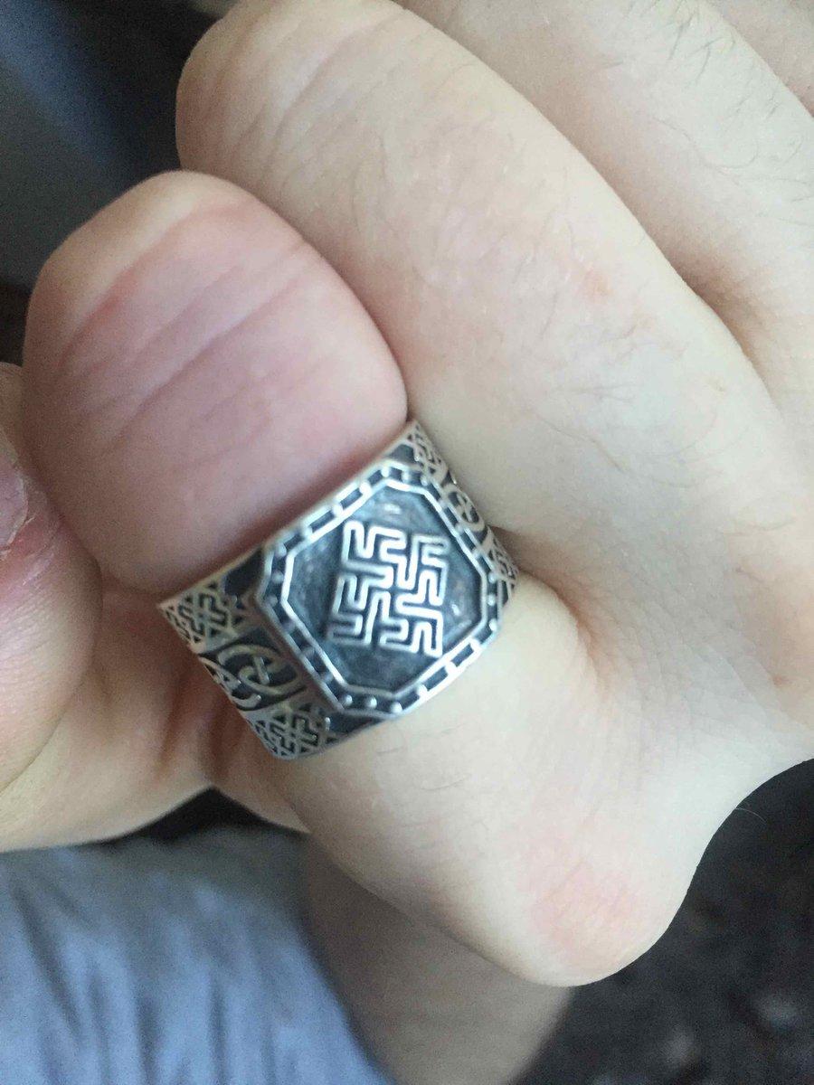 Красивое кольцо 🥰