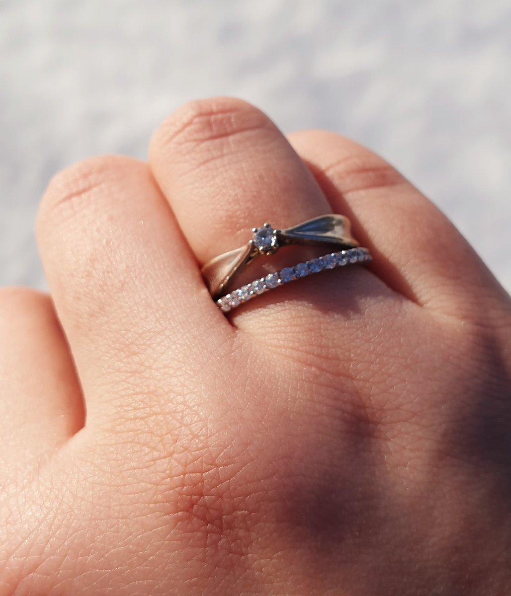 Изящное кольцо-дорожка