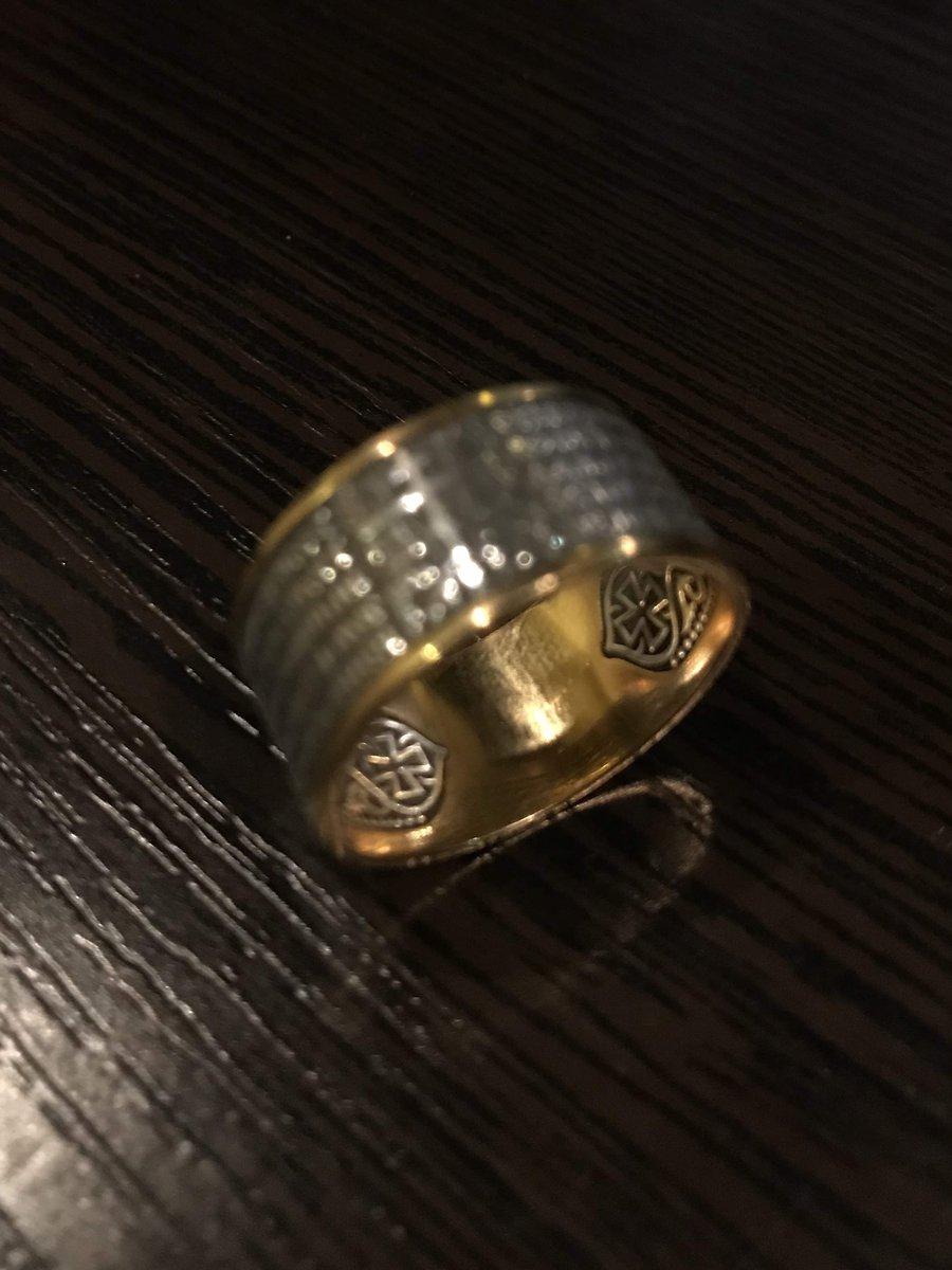 Шикарное кольцо!!!радует глаз и душу!!!