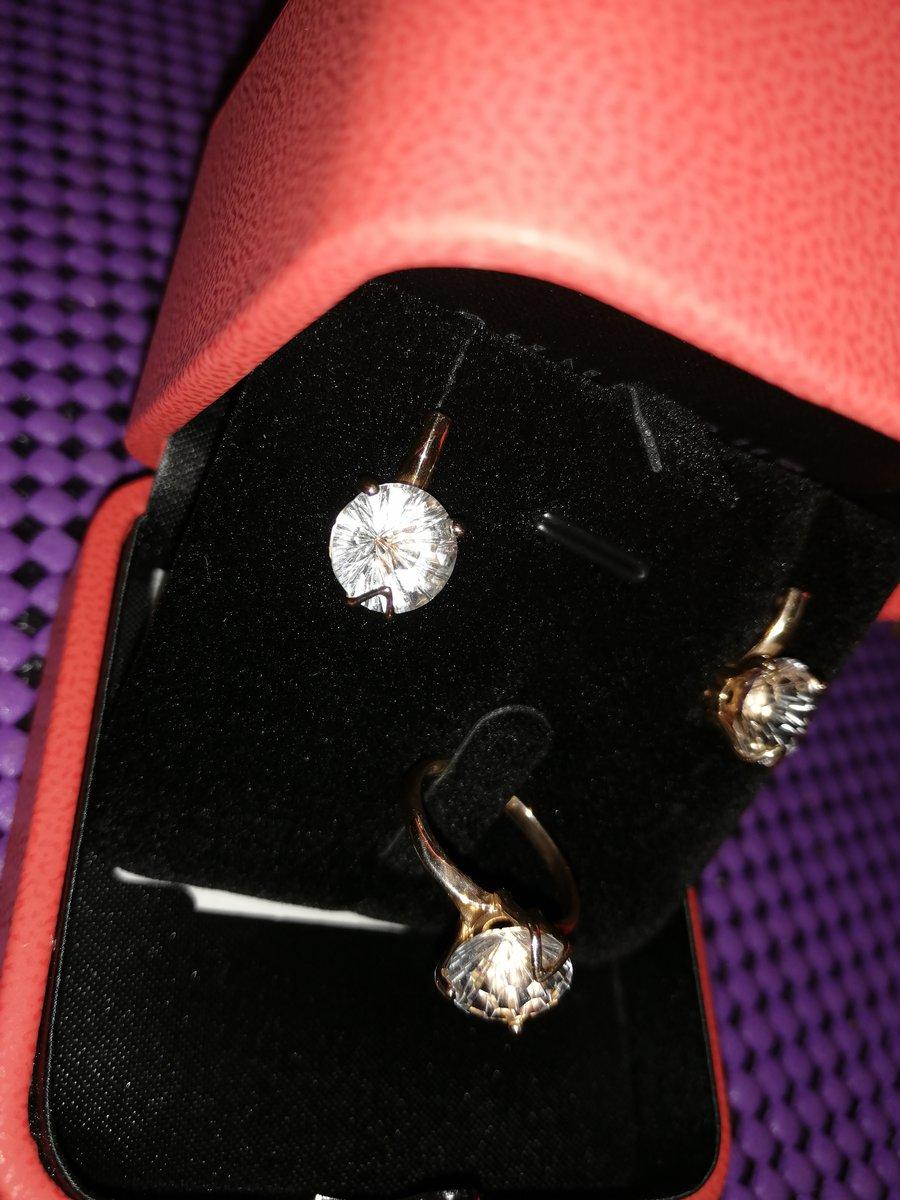 Понравилось кольцо, под него заказала серьги, не пожалела.спасибо продавцу!