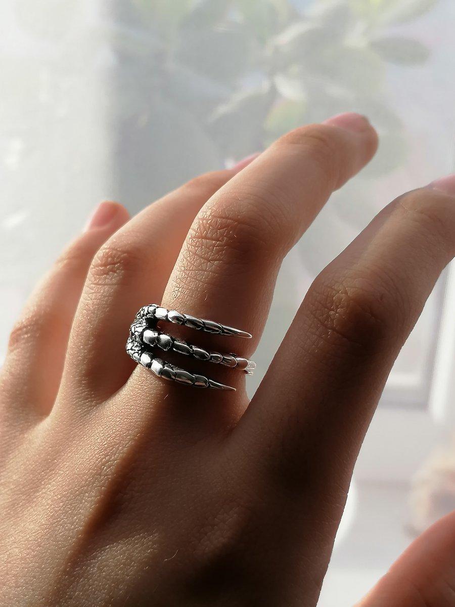 Серебряное кольцо с необычным дизайном