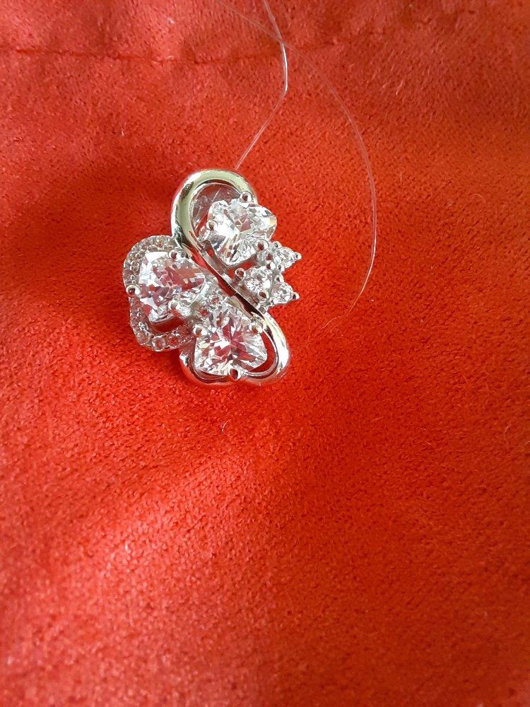 Мужчины не знаете, что дарить, лучшие друзья девушки это бриллианты!!!!