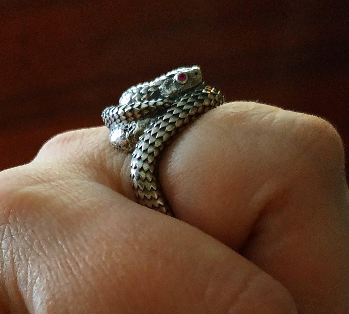 """Супер кольцо! """"я змея""""!"""