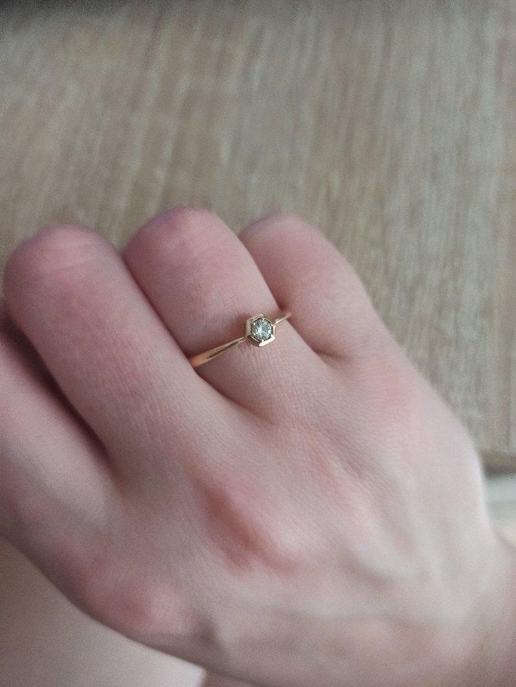 Очень достойное обручальное кольцо