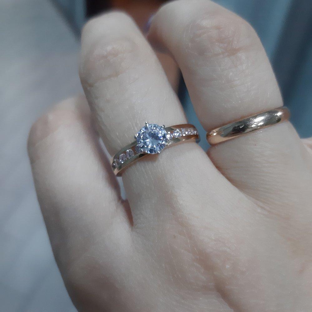 Довольна кольцом,ношу с удовольствием)))