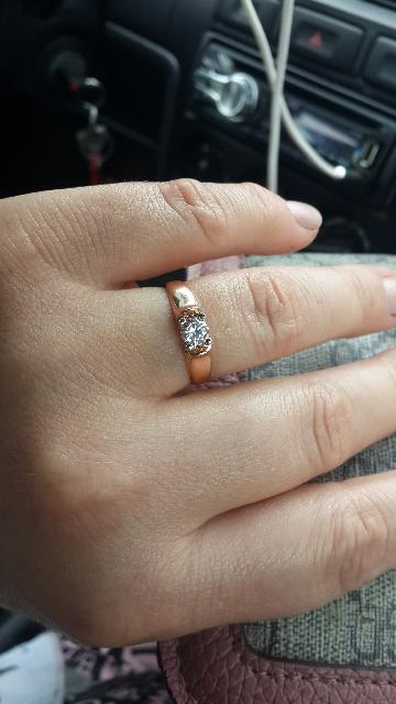 Красивое кольцо, за не очень большие деньги.