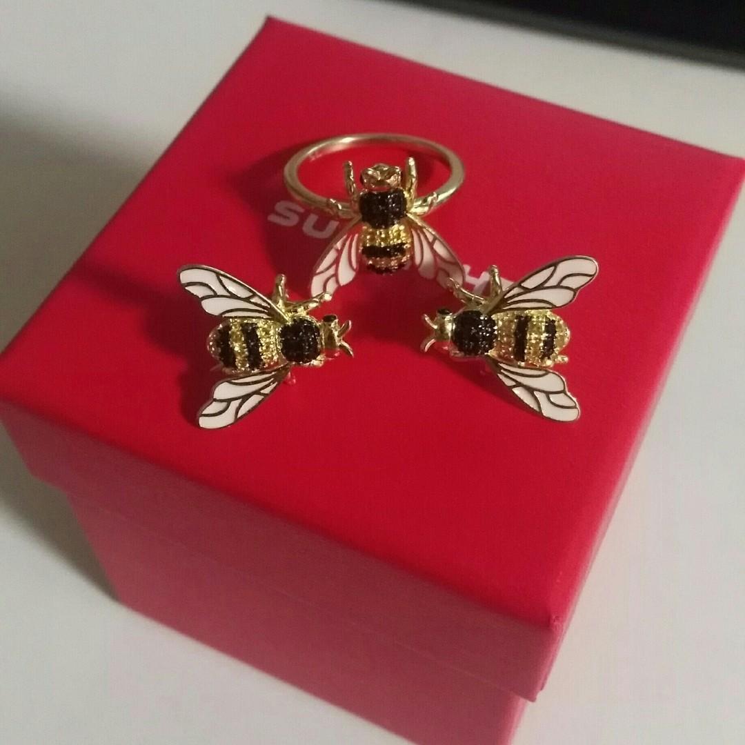 Милые пчёлки)