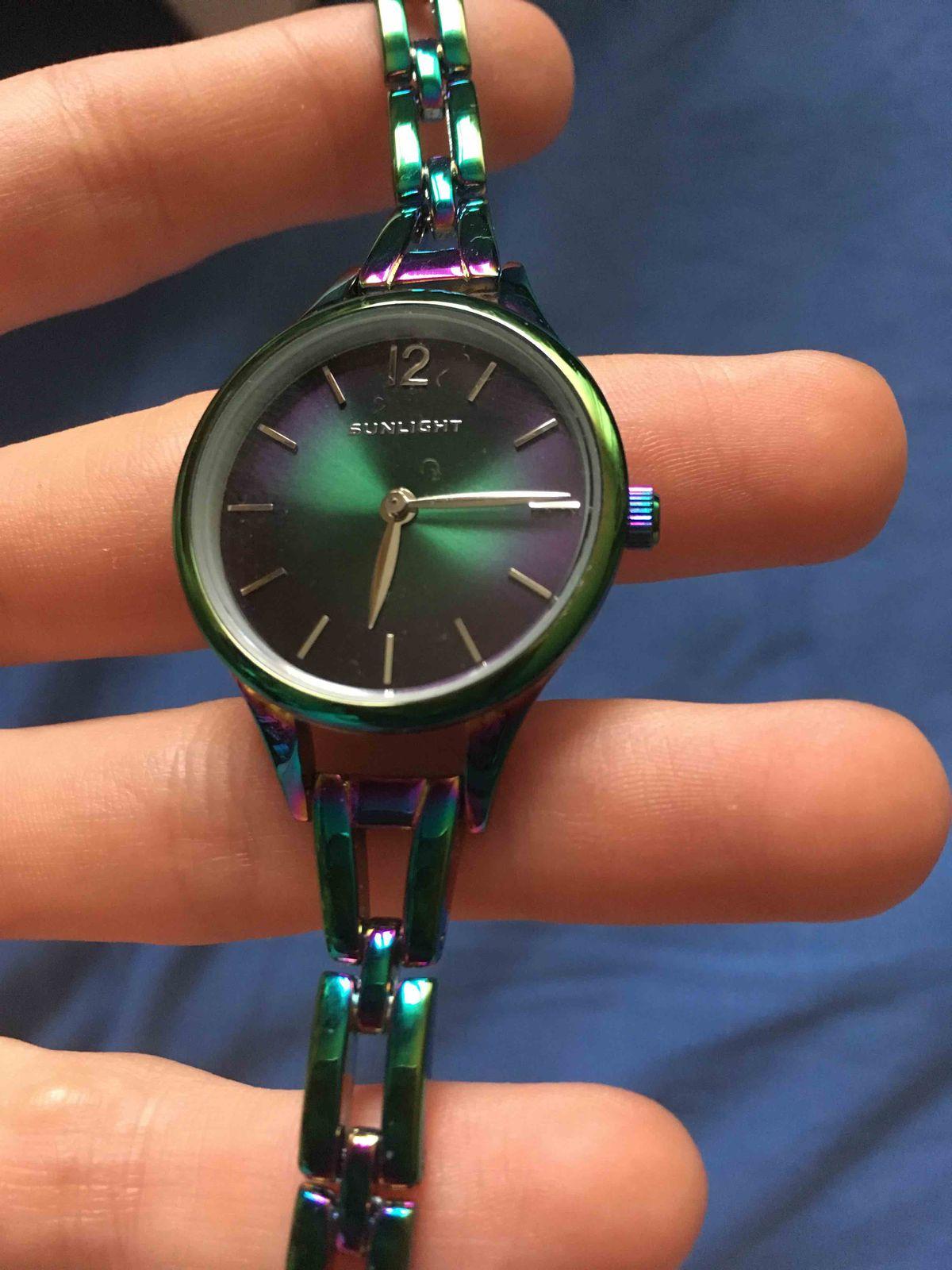 Классные часы, но ремешок неудобный