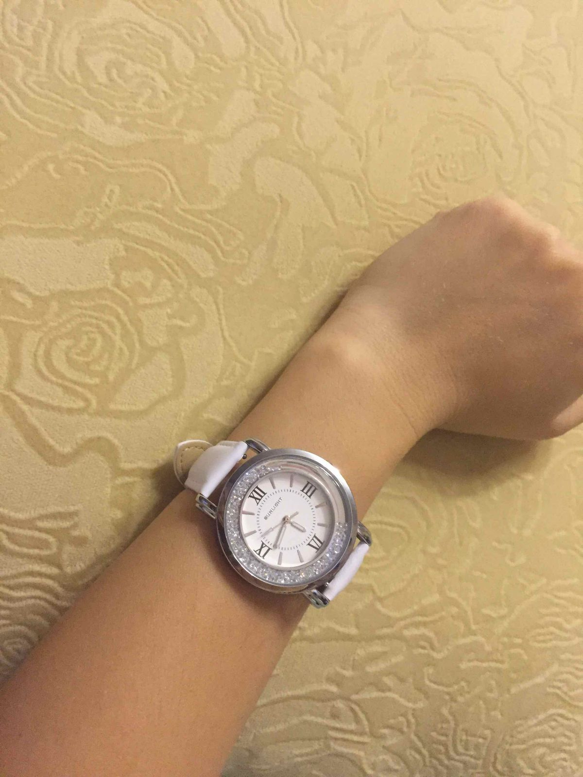 Удобные простые часы