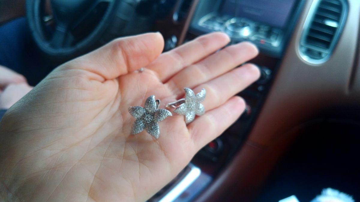 Серебряные лилии