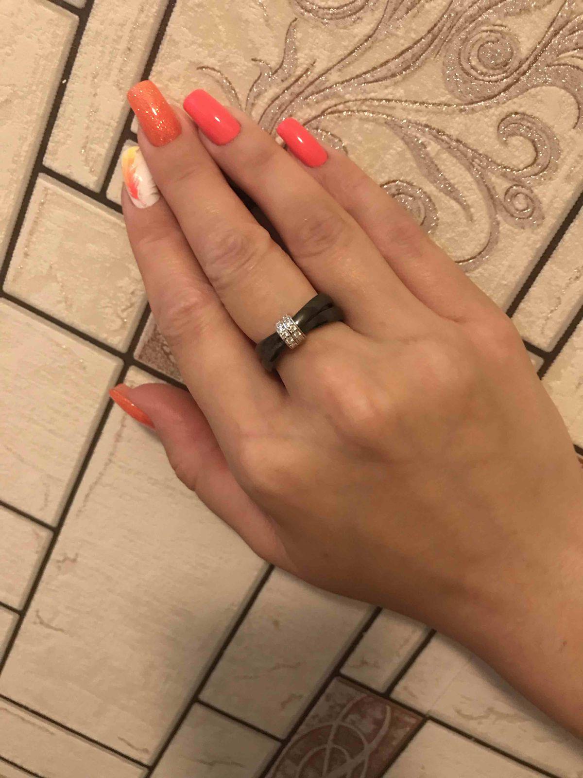 Крутое кольцо из керамики