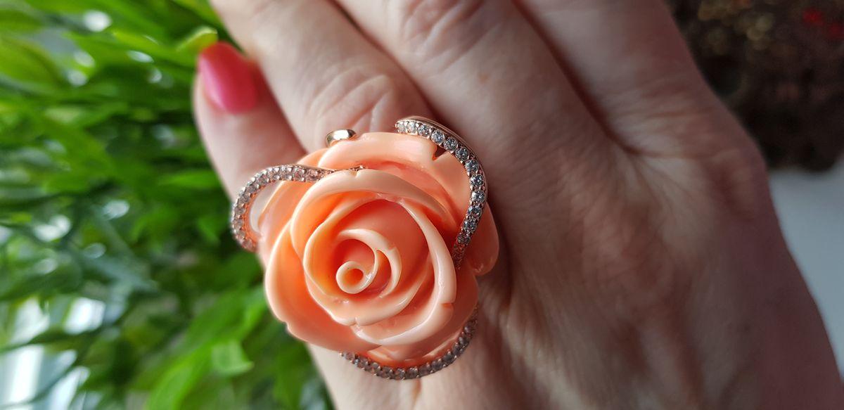 Кольцо в форме розы и цвета нежной розы)))