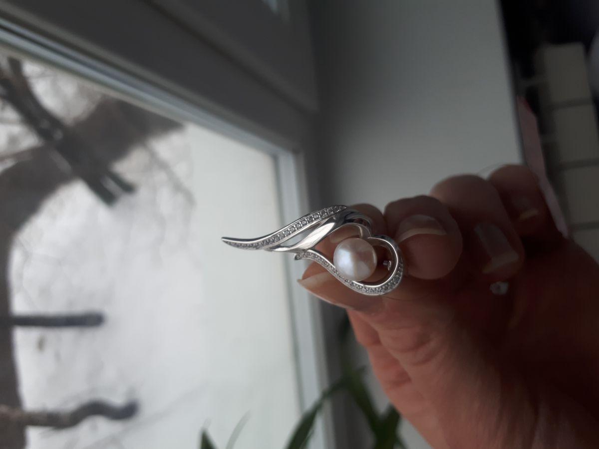 Серебряная брошь