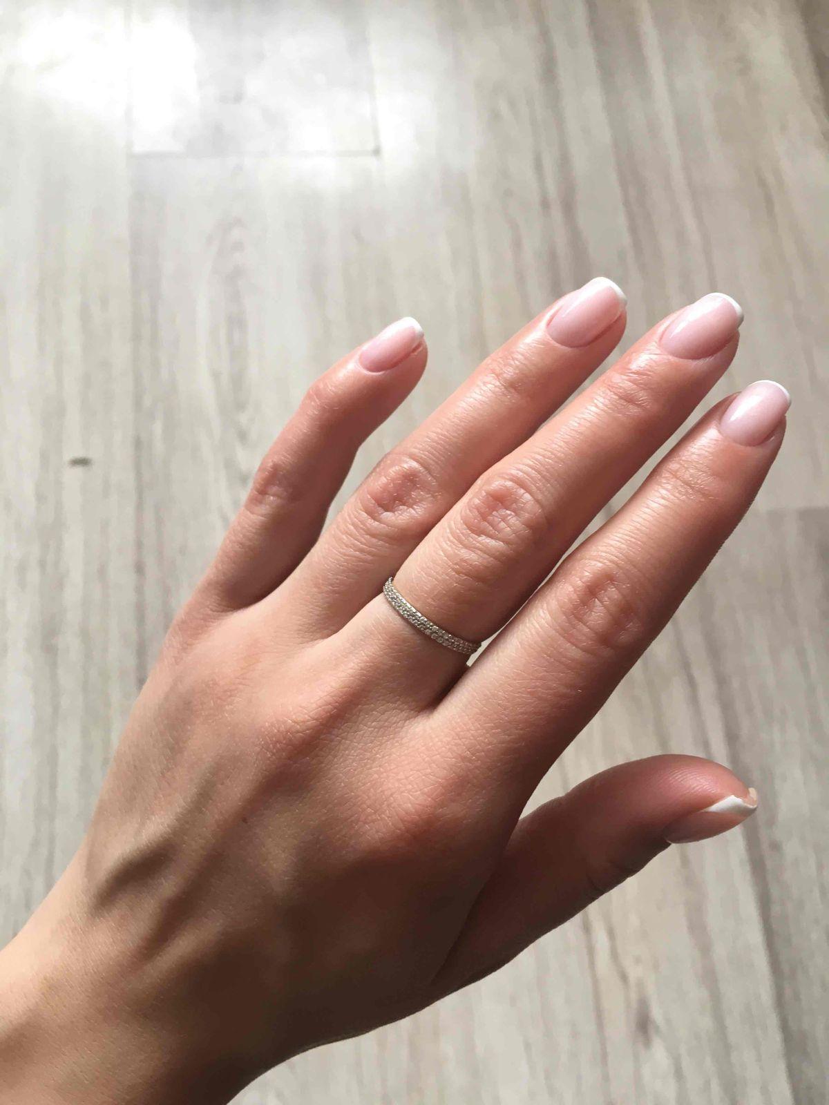 Красивое золотое кольцо