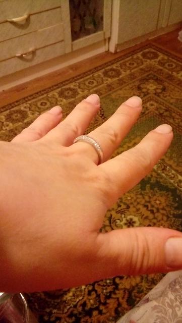 Кольцо с фиантитами.