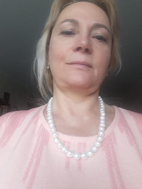Жемчуг с серебром на шею