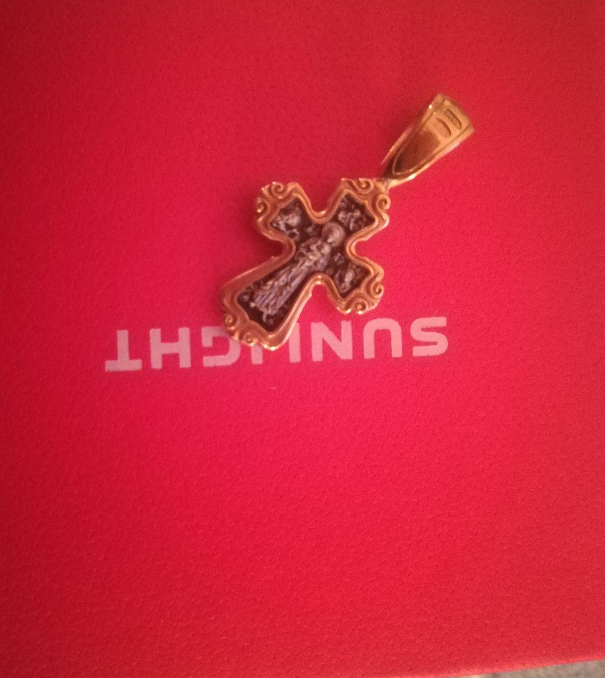 Отличный крестик,покупала в подарок!!!