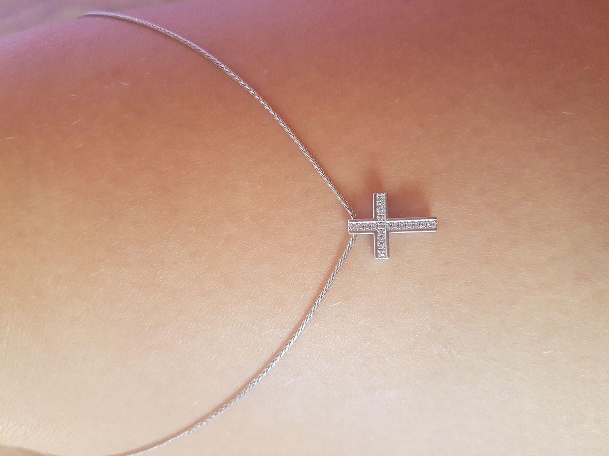Крестик с бриллиантами из белого золота