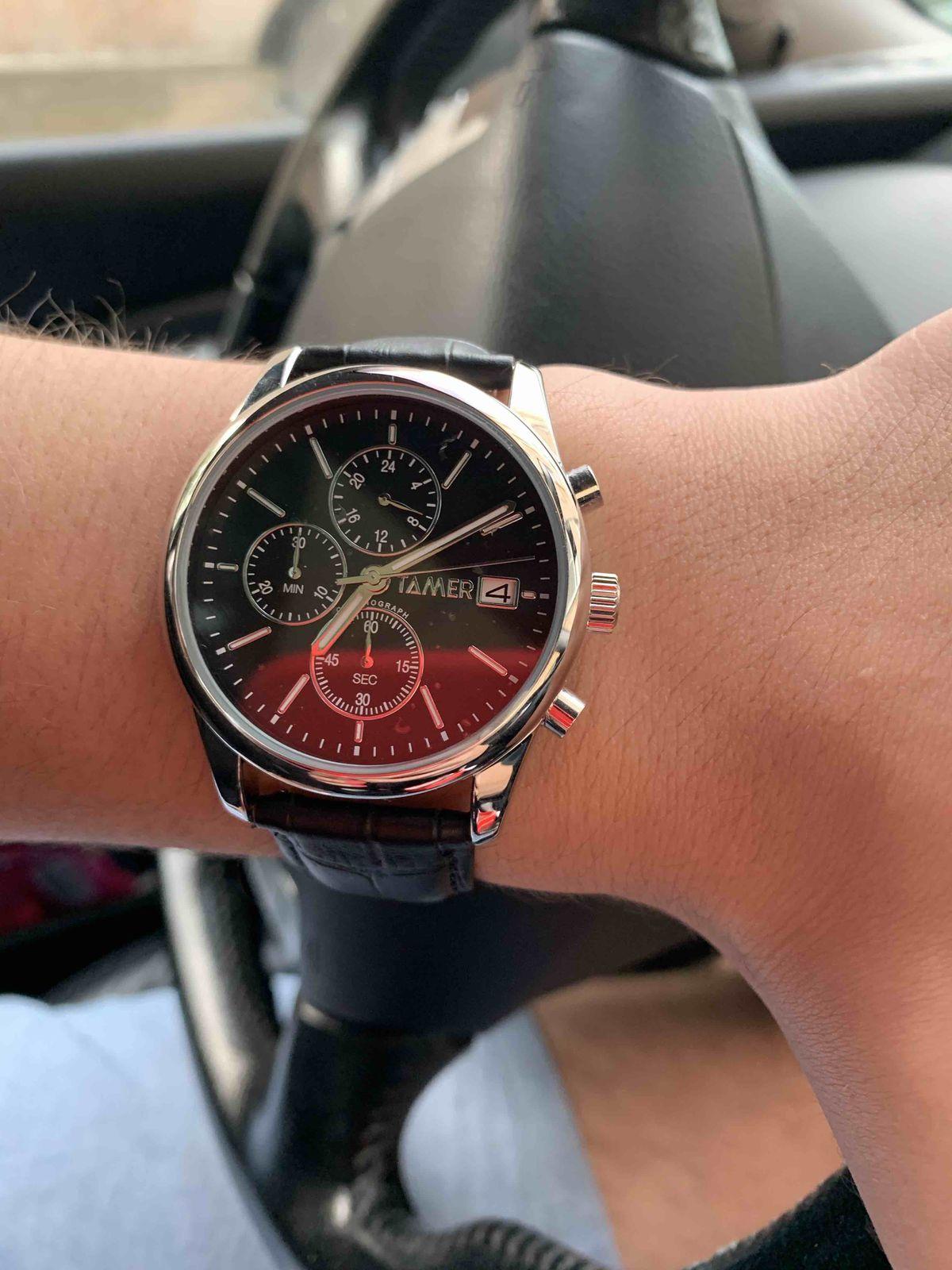 Стильные, солидные часы