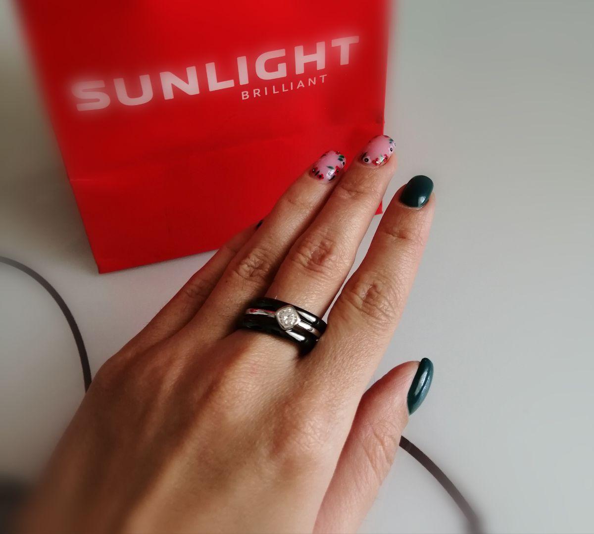 Красивое, керамическое кольцо