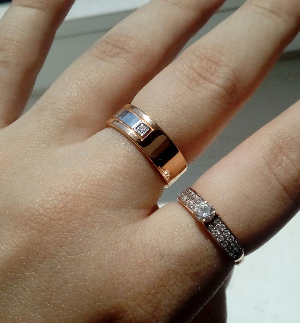 Кольцо из розового и белого золота с бриллиантом