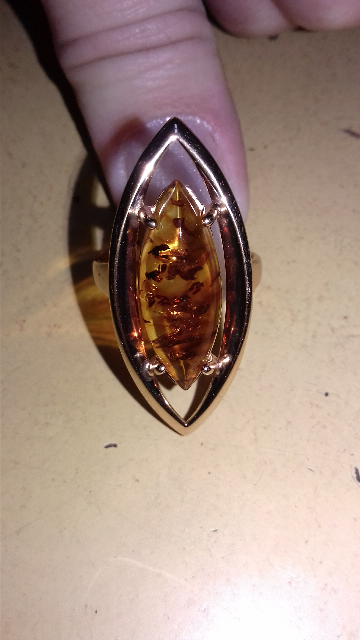 Шикарное кольцо с янтарем.