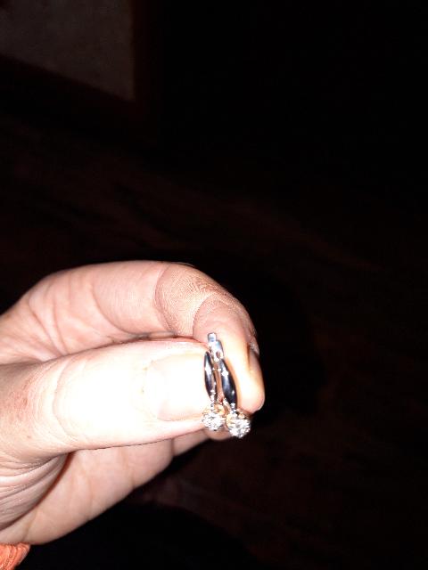Белое золото с бриллиантом на распродаже, удачное приобретение