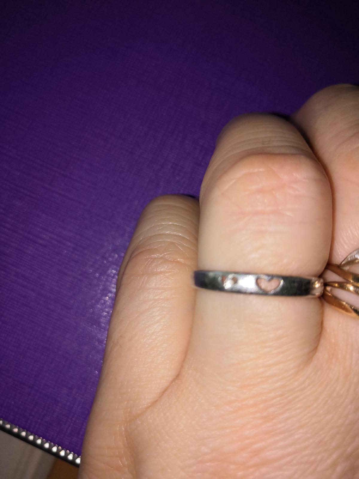 Кольцо с двумя сердечками